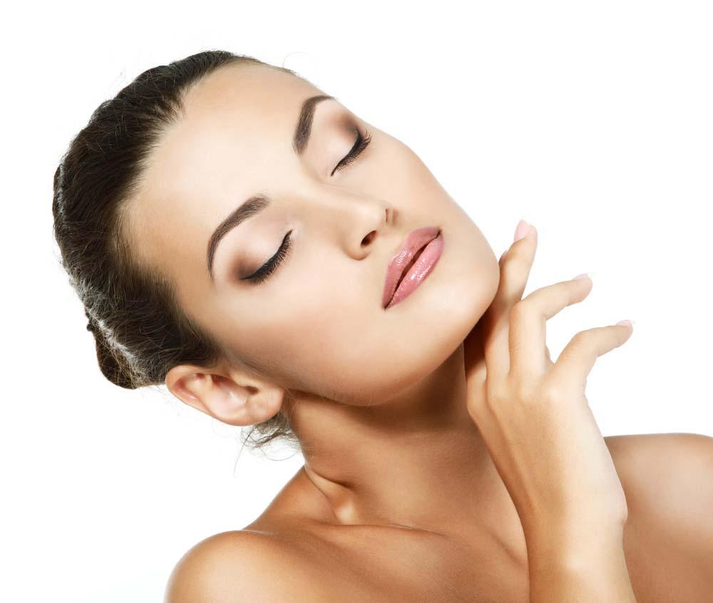 9-errores-que-envejecen-a-la-hora-de-maquillarse-1