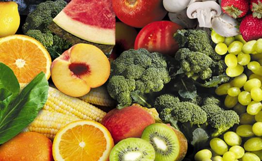 piel-bronceada-frutas