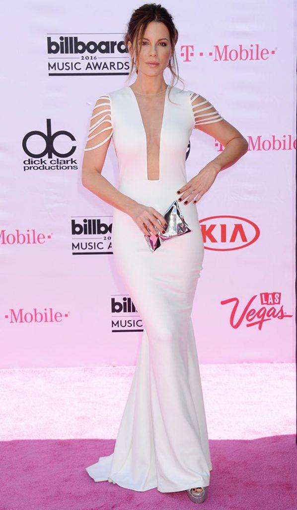 billboard-music-awards-2016-mejor-vestidas-kate-beckinsale
